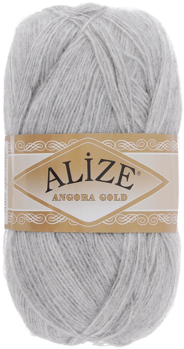 Пряжа для вязания Alize Angora Gold, цвет: серый меланж (614), 550 м, 100 г, 5 шт364111_614Пряжа для вязания Alize Angora Gold изготовлена из акрила, мохера и шерсти, что способствует прекрасному тепловому обмену, легкости и комфорту. Ниточка тонкая, пушистая. Из такой пряжи получаются вещи, которые не требуют ни украшений, ни дополнений. Пряжа допускает самую простую и примитивную вязку, но при этом смотрится необычно благодаря своей цветовой палитре. В ее состав входит акрил, что позволяет стирать ваши изделия в стиральной машине (на деликатной стирке) и они не потеряют свою первоначальную форму. Пряжа Alize Angora Gold отлично подходит для вязания свитеров, жилетов, шарфов, шапок, шалей и многого другого. Рекомендуется ручная стирка. Рекомендованные спицы № 3-6, крючок № 2-4. Комплектация: 5 мотков. Состав: 80% акрил, 10% шерсть, 10% мохер.