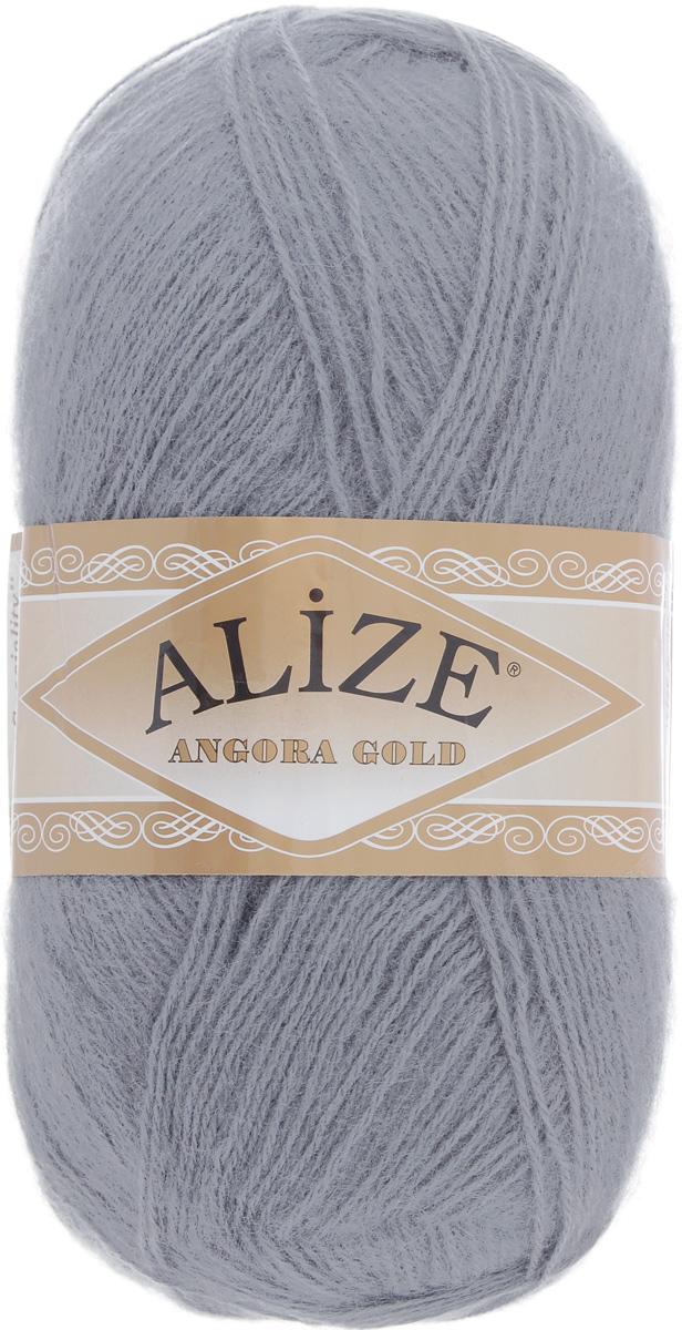 Пряжа для вязания Alize Angora Gold, цвет: серый (87), 550 м, 100 г, 5 шт364111_87Пряжа для вязания Alize Angora Gold изготовлена из акрила, мохера и шерсти, что способствует прекрасному тепловому обмену, легкости и комфорту. Ниточка тонкая, пушистая. Из такой пряжи получаются вещи, которые не требуют ни украшений, ни дополнений. Пряжа допускает самую простую и примитивную вязку, но при этом смотрится необычно благодаря своей цветовой палитре. В ее состав входит акрил, что позволяет стирать ваши изделия в стиральной машине (на деликатной стирке) и они не потеряют свою первоначальную форму. Пряжа Alize Angora Gold отлично подходит для вязания свитеров, жилетов, шарфов, шапок, шалей и многого другого. Рекомендуется ручная стирка. Рекомендованные спицы № 3-6, крючок № 2-4. Комплектация: 5 мотков. Состав: 80% акрил, 10% шерсть, 10% мохер.