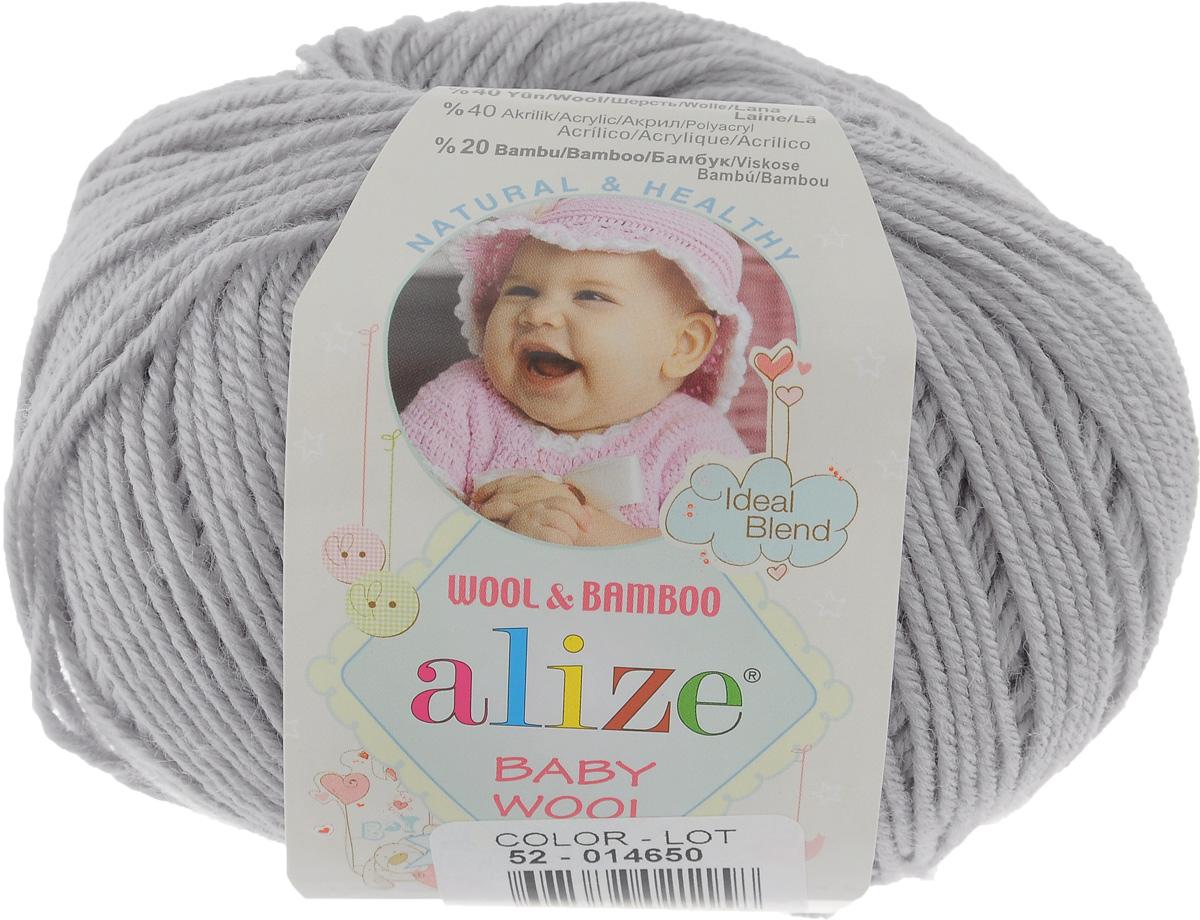 Пряжа для вязания Alize Baby Wool, цвет: светло-серый (52), 175 м, 50 г, 10 шт686501_52Детская пряжа для вязания Alize Baby Wool изготовлена из очень мягкой и высококачественной натуральной шерсти и бамбука. Из пряжи Baby Wool получается тонкий, но очень теплый трикотаж для ребенка. Акрил в составе нитей допускает легкую машинную стирку вещей. Цветовая палитра включает в себя комбинации, которые подходят как для мальчиков, так и для девочек. Рекомендуемый размер спиц: № 2,5-4 мм, Рекомендуемый размер крючка: № 1-3 мм. Комплектация: 10 мотков. Состав: 40% шерсть, 40% акрил, 20% бамбук.