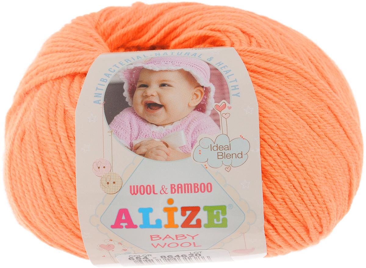 Пряжа для вязания Alize Baby Wool, цвет: ярко-оранжевый (654), 175 м, 50 г, 10 шт686501_654Детская пряжа для вязания Alize Baby Wool изготовлена из очень мягкой и высококачественной натуральной шерсти и бамбука. Из пряжи Baby Wool получается тонкий, но очень теплый трикотаж для ребенка. Акрил в составе нитей допускает легкую машинную стирку вещей. Цветовая палитра включает в себя комбинации, которые подходят как для мальчиков, так и для девочек. Рекомендуемый размер спиц: № 2,5-4 мм, Рекомендуемый размер крючка: № 1-3 мм. Комплектация: 10 мотков. Состав: 40% шерсть, 40% акрил, 20% бамбук.