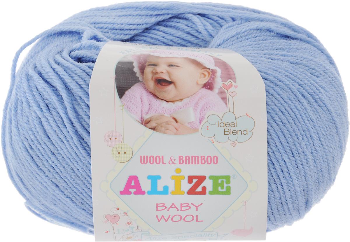 Пряжа для вязания Alize Baby Wool, цвет: темно-голубой (40), 175 м, 50 г, 10 шт686501_40Детская пряжа для вязания Alize Baby Wool изготовлена из очень мягкой и высококачественной натуральной шерсти и бамбука. Из пряжи Baby Wool получается тонкий, но очень теплый трикотаж для ребенка. Акрил в составе нитей допускает легкую машинную стирку вещей. Цветовая палитра включает в себя комбинации, которые подходят как для мальчиков, так и для девочек. Рекомендуемый размер спиц: № 2,5-4 мм, Рекомендуемый размер крючка: № 1-3 мм. Комплектация: 10 мотков. Состав: 40% шерсть, 40% акрил, 20% бамбук.