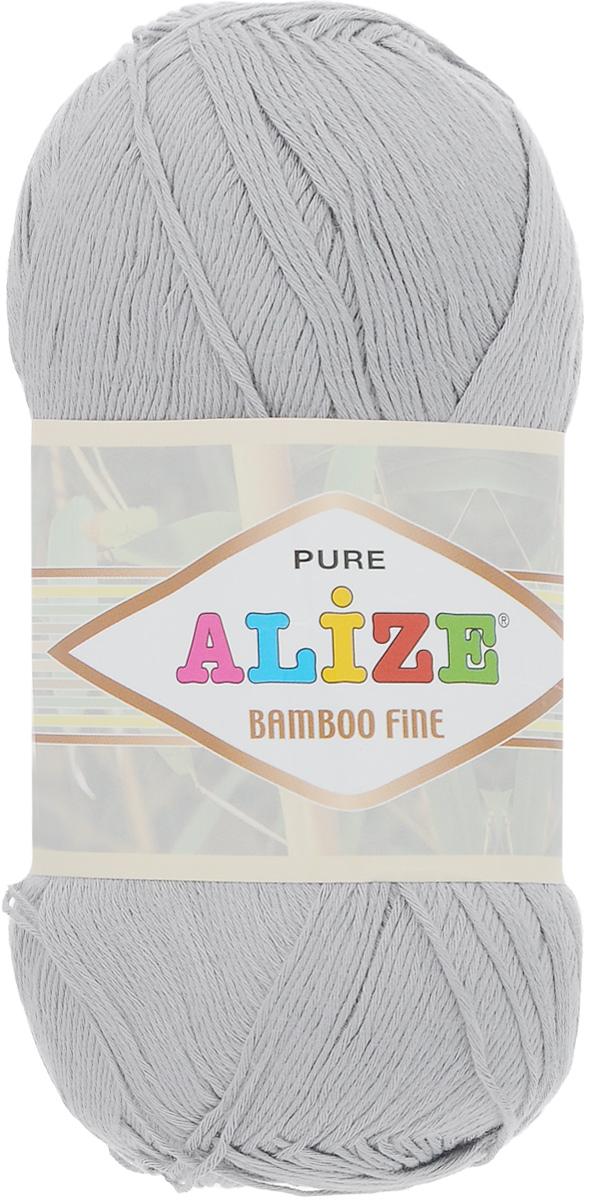 Пряжа для вязания Alize Bamboo Fine, цвет: светло-серый (52), 440 м, 100 г, 5 шт688988_52Легкая пряжа Alize Bamboo Fine подходит для ручного вязания детских и взрослых вещей. Приятная на ощупь, обладающая высокой гигроскопичностью. Пряжа Alize Bamboo Fine из бамбука подойдет для самых разных вязаных изделий: сарафанов, туник, платьев, легких костюмов, кофт, шалей и накидок. Ее с одинаковым успехом можно использовать и для спиц, и для вязания крючком. В палитре большой выбор ярких цветов и пастельных мягких оттенков. Не стоит с предубеждением относиться к искусственной пряже, ведь она обладает целым рядом преимуществ. За изделиями из пряжи Alize Bamboo Fine проще ухаживать, они не подвержены скатыванию, не вызывают аллергии, не собирают пыль, не линяют и не оставляют ворсинок на другой одежде. Рекомендованный размер спиц: № 2,5-3,5 мм, Рекомендованный размер крючка: № 1-3 мм. Состав: 100% бамбук.