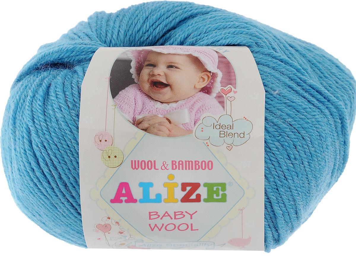 Пряжа для вязания Alize Baby Wool, цвет: морская волна (245), 175 м, 50 г, 10 шт686501_245Детская пряжа для вязания Alize Baby Wool изготовлена из очень мягкой и высококачественной натуральной шерсти и бамбука. Из пряжи Baby Wool получается тонкий, но очень теплый трикотаж для ребенка. Акрил в составе нитей допускает легкую машинную стирку вещей. Цветовая палитра включает в себя комбинации, которые подходят как для мальчиков, так и для девочек. Рекомендуемый размер спиц: № 2,5-4 мм, Рекомендуемый размер крючка: № 1-3 мм. Комплектация: 10 мотков. Состав: 40% шерсть, 40% акрил, 20% бамбук.