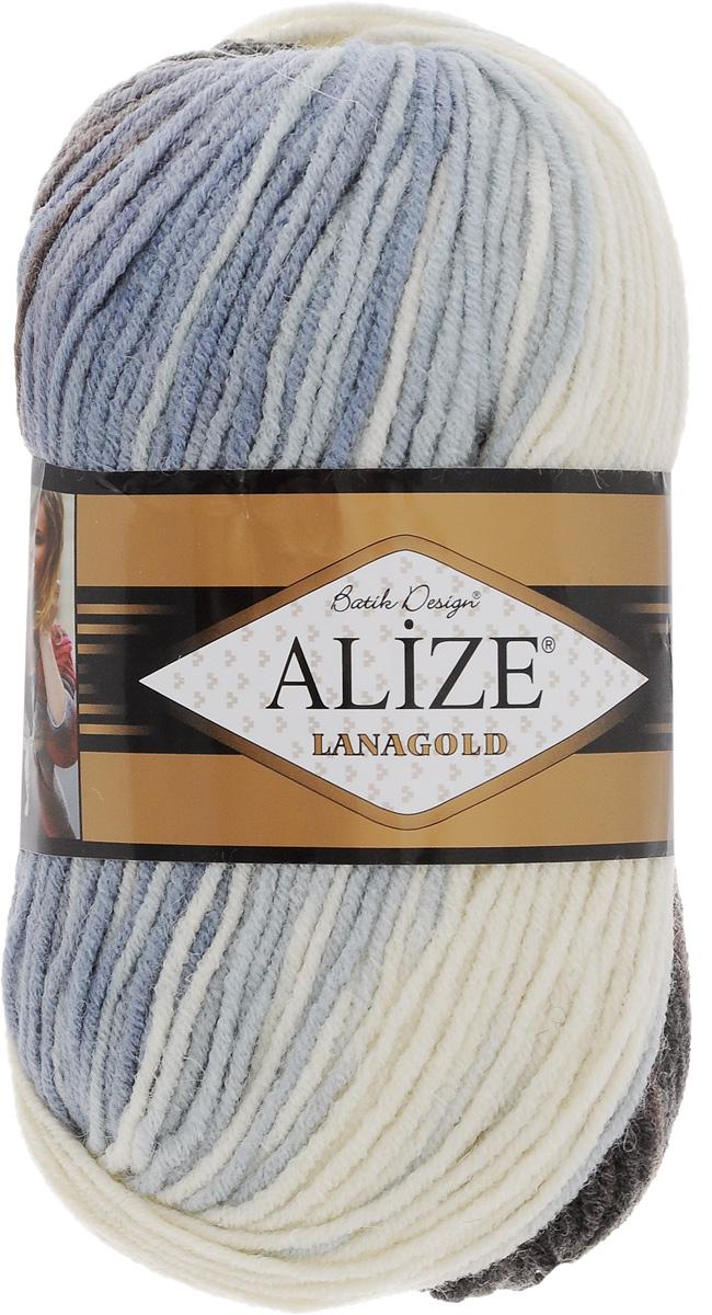 Пряжа для вязания Alize Lanagold Batik Design, цвет: белый, коричневый, голубой (1601), 240 м, 100 г, 5 шт364096_1601Полушерстяная пряжа Lanagold Batik Design - настоящая зимняя классика. Изделия из такой пряжи отлично поднимает настроение разнообразием своих красок. Большой выбор вариантов меланжевых расцветок позволяет создавать от веселых детских шапочек до элегантных женских пончо и солидных мужских пуловеров. С пряжей Lanagold Batik Design не требуется вывязывания узоров высокой сложности, так как пряжа эта отлично смотрится в любых косах и даже в простой чулочной вязке. Благодаря секционно окрашенной нити изделия получаются весьма оригинальными, стильными и нарядными. Кроме того, пряжа удобна в работе: средней толщины ниточка плотно скручена, упругая, гладкая, легко ложится и не слоится - с ней даже неопытная рукодельница справится без труда. Рекомендуемый размер спиц: №4-6 мм. Состав: 51% акрил, 49% шерсть.