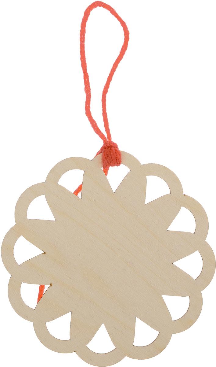 Заготовка деревянная Buratini Круглая, диаметр 11 смDZ30012Заготовка Buratini Круглая изготовлена из самого легкого материала для работы - фанеры. В ней прекрасно сочетаются пластичность форм, линий и художественная выразительность. Благодаря таким качествам заготовки, вы можете реализовать свои самые смелые творческие фантазии: оформить ее в технике декупаж, расписать красками, украсить мозаикой, пайетками, лентами или бисером. Такую оригинальную заготовку можно использовать как шпульку для ниток мулине, лент, кружева или тесьмы.