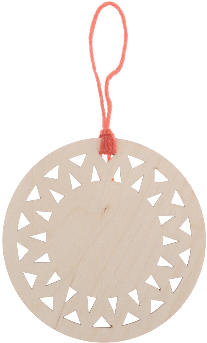 Заготовка деревянная Buratini Органайзер для ниток. Круг, диаметр 10 смDZ30011Заготовка Buratini Органайзер для ниток. Круг изготовлена из самого легкого материала для работы - фанеры. Каждое отверстие заготовки эргономично и аккуратно отшлифовано. Нити не цепляются за края, не деформируются. В изделии прекрасно сочетаются пластичность форм, линий и художественная выразительность. Благодаря таким качествам заготовки, вы можете реализовать свои самые смелые творческие фантазии: оформить ее в технике декупаж, расписать красками, украсить мозаикой, пайетками, лентами или бисером.