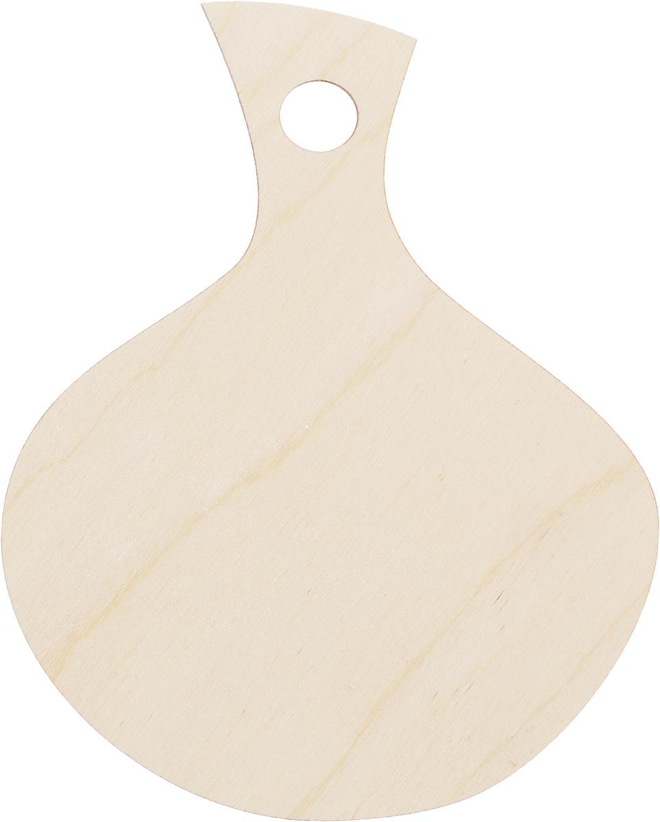 Заготовка деревянная Buratini Разделочная доска, 130 х 160 ммDZ00004Заготовка Buratini Разделочная доска изготовлена из самого легкого материала для работы - фанеры. В ней прекрасно сочетаются пластичность форм, линий и художественная выразительность. Благодаря таким качествам заготовки, вы можете реализовать свои самые смелые творческие фантазии: оформить ее в технике декупаж, расписать красками, украсить мозаикой, пайетками, лентами или бисером.