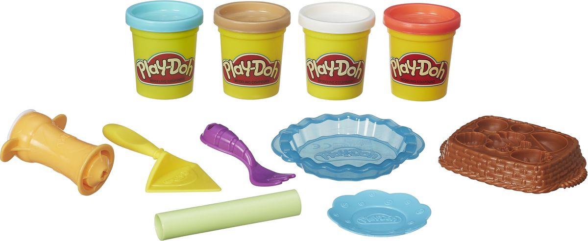 Play-Doh Набор для лепки Ягодные тарталеткиB3398EU4С набором для лепки Play-Doh Ягодные тарталетки вы сможете почувствовать себя настоящим кулинаром, создавая из массы для лепки настоящие шедевры. Пластилин приятно держать в руках, ведь он легко разминается, является достаточно эластичным, а также не прилипает и не оставляет жирных следов на руках и на поверхностях. В набор помимо четырех баночек с массой для лепки входят и пластиковые элементы, которые помогут создать яркие работы. Тарелочки, совок, вилка, дозатор, а также корзинка, на дне которой спрятались формочки - все это поможет создать яркие и неповторимые работы. Вы и ребенок сможете приготовить ароматный черничный пирог или же клубничное пирожное - главное включить фантазию и не ограничивать ее полет. Занятия кулинарией с этим набором станут хорошей практикой для маленьких хозяек.