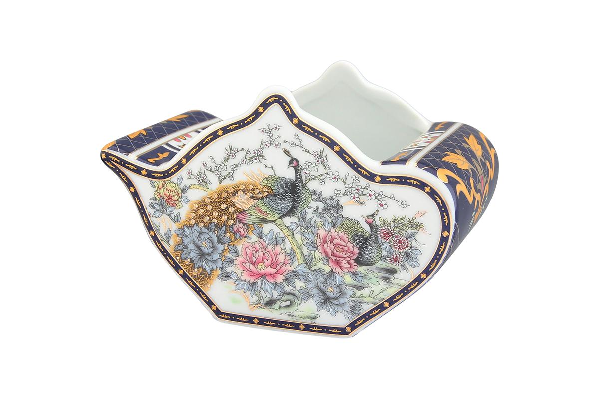 Подставка сервировочная для чайных пакетиков Elan Gallery Чайник. Павлин на золоте, 12 х 9 х 8 см503991У Вас большая семья, Вы любите пить разный чай. Подставка для чайных пакетиков это, что Вам нужно. Теперь не нужно долго искать, какой чай Вам выбрать. Просто положите пакетики с разным чаем в компактную и красивую подставку. Выберите ту, которая подойдет к Вашему интерьеру. Изделие имеет подарочную упаковку.