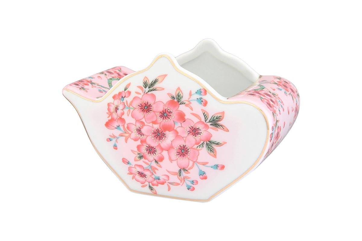Подставка сервировочная для чайных пакетиков Elan Gallery Чайник. Сакура, 12 х 9 х 8 см503992У Вас большая семья, Вы любите пить разный чай. Подставка для чайных пакетиков это, что Вам нужно. Теперь не нужно долго искать, какой чай Вам выбрать. Просто положите пакетики с разным чаем в компактную и красивую подставку. Выберите ту, которая подойдет к Вашему интерьеру. Изделие имеет подарочную упаковку.