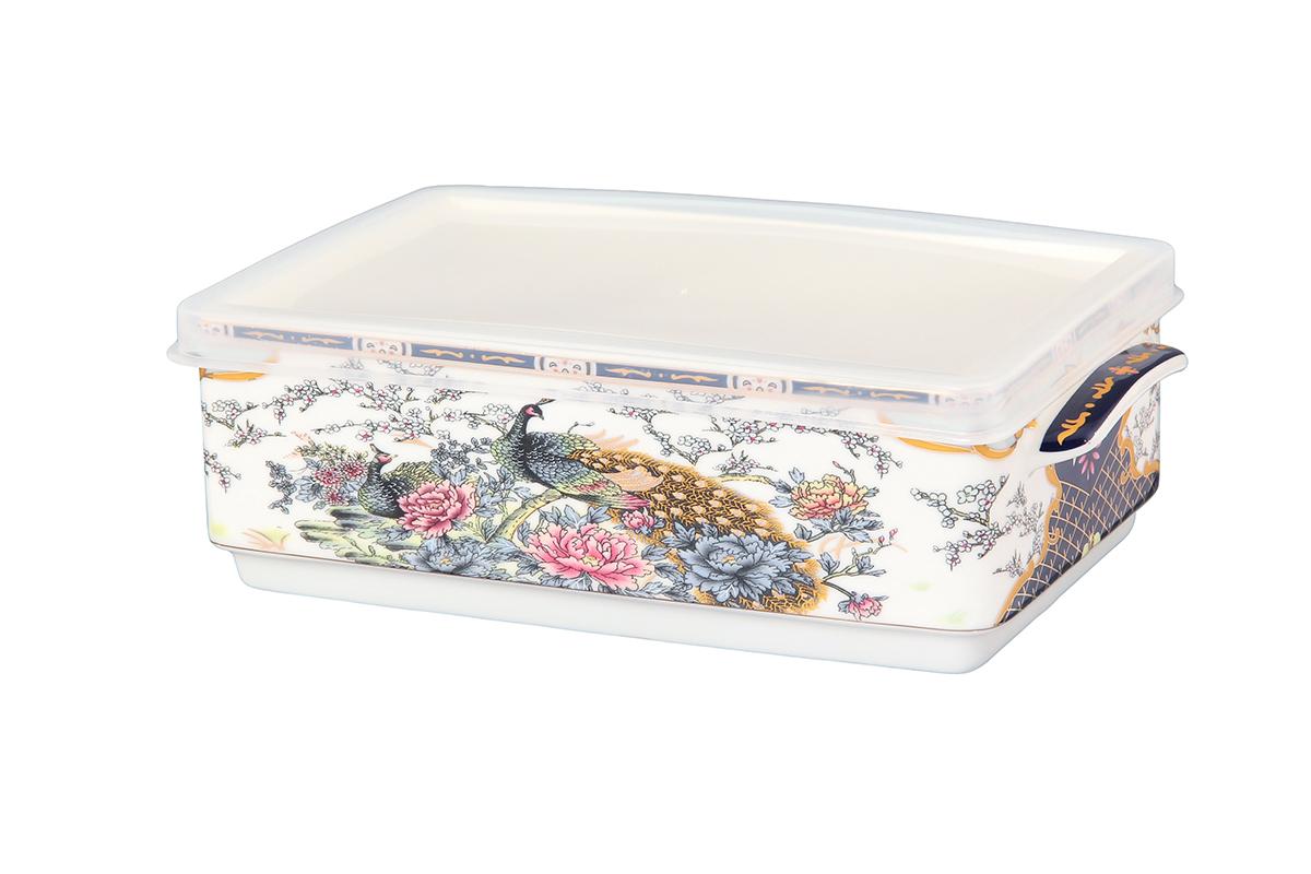 Блюдо для холодца Elan Gallery Павлин, цвет: золотой, с крышкой, 800 мл504088Блюдо для холодца Elan Gallery Павлин, изготовленное из высококачественной керамики, предназначено для приготовления и хранения заливного или холодца. Пластиковая крышка, входящая в комплект, сохранит свежесть вашего блюда. Также блюдо можно использовать для приготовления и хранения салатов. Оформлено изделие оригинальным рисунком. Такое блюдо украсит сервировку вашего стола и подчеркнет прекрасный вкус хозяйки. Не использовать в микроволновой печи. Размер блюда: 20 х 12 х 6,5 см.