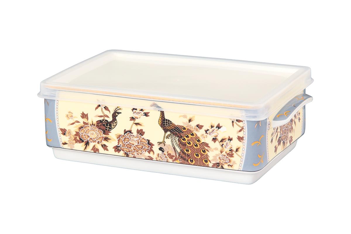 Блюдо для холодца Elan Gallery Павлин на бежевом, с крышкой, 20 х 12 х 6,5 см504091Сервировочное блюдо Elan Gallery Павлин на бежевом, изготовленное из высококачественной керамики, прекрасно подойдет для заливного или холодца и для хранения слоеных салатов. Пластиковая крышка, входящая в комплект, сохранит свежесть вашего блюда. Такое блюдо украсит сервировку вашего стола и подчеркнет прекрасный вкус хозяйки. Объем блюда: 800 мл.