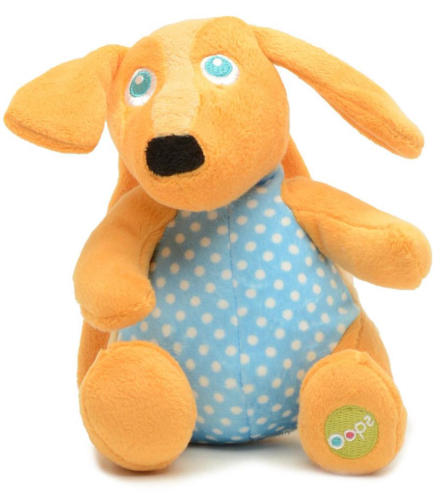 Oops Музыкальная игрушка-подвеска СобакаO 12002.22Музыкальная игрушка-подвеска OOPS Собака изготовлена из мягкого и приятного на ощупь текстиля ярких приятных тонов в виде прекрасной и милой собачки. Если вы потяните за пластиковое кольцо вниз, малыш услышит негромкую успокаивающую мелодию, которая заменит наскучившие колыбельные и поможет ему заснуть. Подвеска выполнена из гипоаллергенного волокна. Крепиться к кровати с помощью специальных веревочек. Игрушка-подвеска OOPS Собака развивает слух, моторику, зрительно-цветовое восприятие и обладает релаксирующим воздействием.