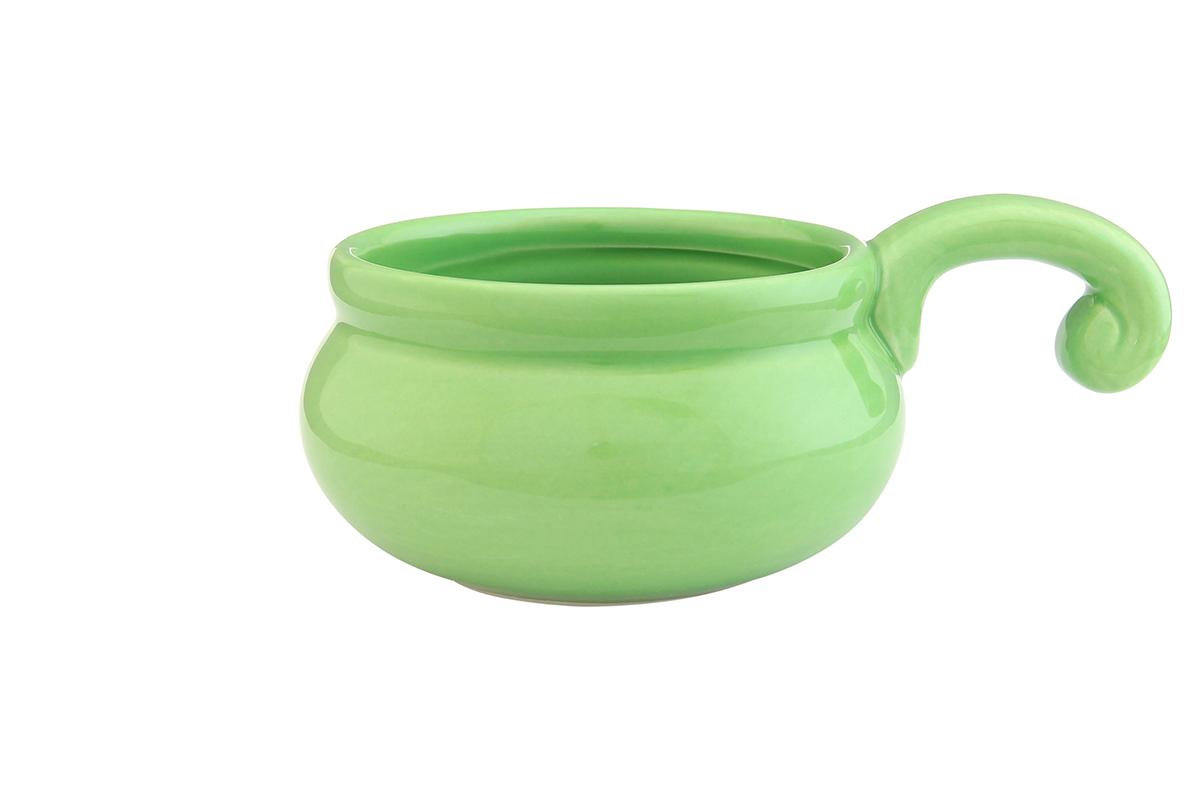 Жюльенница-кокотница Elan Gallery, цвет: зеленый, 260 мл110770Жюльенница-кокотница Elan Gallery, изготовленная из жаропрочной керамики, предназначена для приготовления и подачи небольших порций мясных или овощных блюд, а также соусов, закусок и десертов. Керамическая посуда не только быстро нагревается, но и сохраняет тепло дольше, чем посуда из других материалов. Используйте это преимущество посуды и подавайте блюда к столу прямо в тех же емкостях, в которых вы их приготовили - блюда будут долго оставаться горячими. Высота: 5,5 см. Диаметр (по верхнему краю): 9 см. Толщина дна: 4 мм. Толщина стенок: 4 мм.