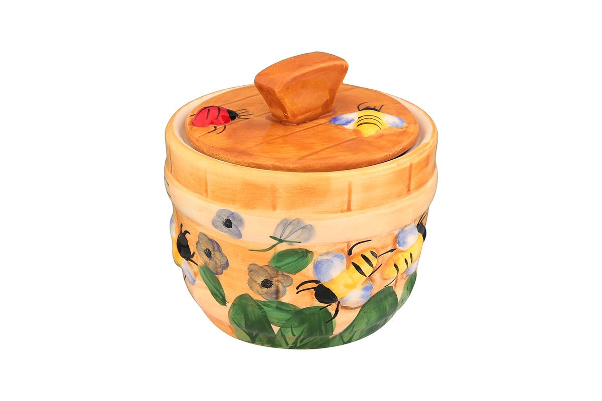 Горшочек для меда Elan Gallery Пчелки на лугу, 300 мл110829Очень милый горшочек для меда украсит Вашу кухню, особенно на даче. Благодаря съемной силиконовой прокладке на крышке горшочек плотно закрывается. Можно использовать для сыпучих продуктов - соли и сахара. Изделие имеет подарочную упаковку, поэтому станет желанным подарком для Ваших близких!