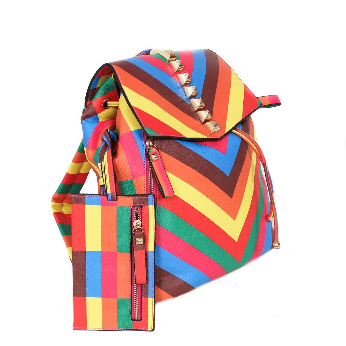 Рюкзак Flioraj, цвет: разноцветный. 0005137100051371Закрывается на магнит. Внутри одно отделение, два кармана на молнии, три открытых кармана. Снаружи два кармана на молнии. В комплекте кошелек (17,5 х 10,5). Высота ручки - 7 см.