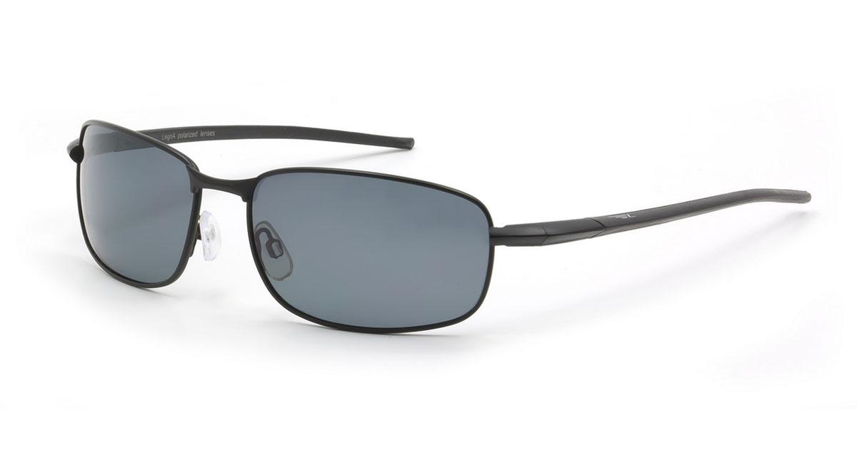 Очки мужские поляризационные Legna, цвет: черный. S4105CS4105CСтильные солнцезащитные очки Legna сделают приятной прогулку в жаркий солнечный полдень. Их также по достоинству оценят водители, так как эта модель очков оснащена уникальными поляризационными линзами, которые задерживают раздражающие блики, что гарантирует полный зрительный комфорт и, как результат, повышенную безопасность. Высокоэффективный встроенный УФ фильтр обеспечивает совершенную защиту от вредных ультрафиолетовых лучей Кроме того, это эффектный аксессуар, который наверняка станет «изюминкой» вашего индивидуального стиля. Оправа не только красивая, но и прочная, а линзы со временем не покроются мелкими царапинами. Чистка и обслуживание: Вымыть теплой водой, вытереть мягкой сухой салфеткой. Условия хранения: в футляре при нормальных климатических условиях. Предупреждение: Не использовать в солярии, не смотреть на прямые солнечные лучи, не использовать при управлении автомобилем в сумерках и ночью.