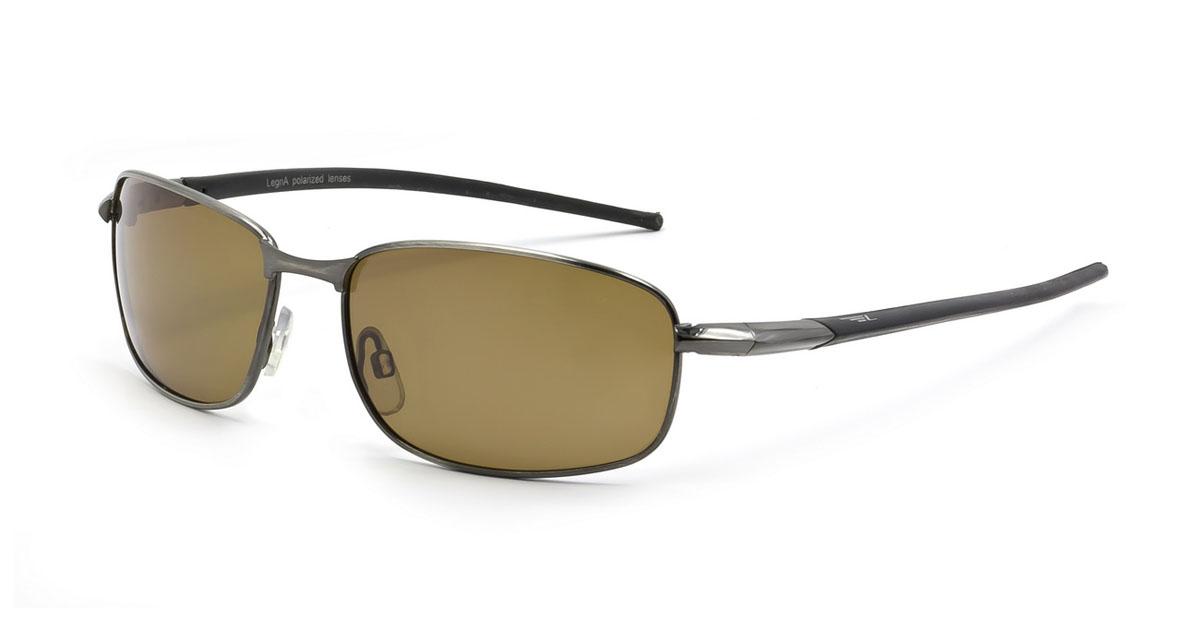Очки мужские поляризационные Legna, цвет: коричневый. S4105DS4105DСтильные солнцезащитные очки Legna сделают приятной прогулку в жаркий солнечный полдень. Их также по достоинству оценят водители, так как эта модель очков оснащена уникальными поляризационными линзами, которые задерживают раздражающие блики, что гарантирует полный зрительный комфорт и, как результат, повышенную безопасность. Высокоэффективный встроенный УФ фильтр обеспечивает совершенную защиту от вредных ультрафиолетовых лучей Кроме того, это эффектный аксессуар, который наверняка станет «изюминкой» вашего индивидуального стиля. Оправа не только красивая, но и прочная, а линзы со временем не покроются мелкими царапинами. Чистка и обслуживание: Вымыть теплой водой, вытереть мягкой сухой салфеткой. Условия хранения: в футляре при нормальных климатических условиях. Предупреждение: Не использовать в солярии, не смотреть на прямые солнечные лучи, не использовать при управлении автомобилем в сумерках и ночью.