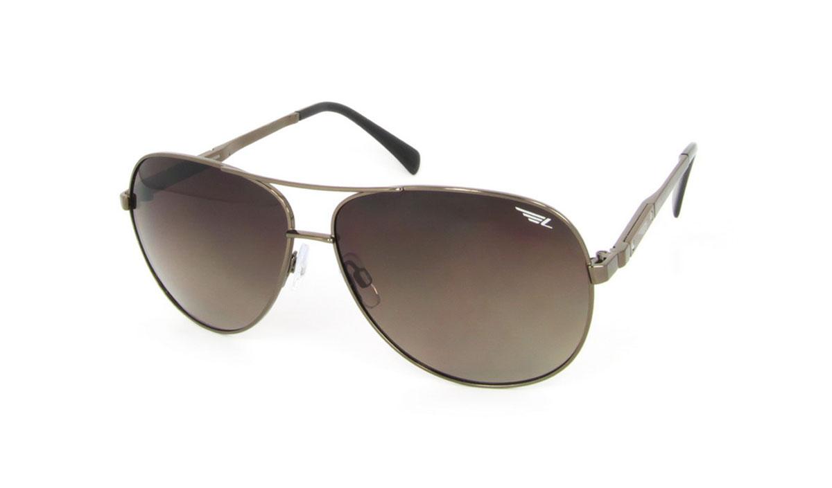 Очки поляризационные Legna, цвет: коричневый. S4507BS4507BСтильные солнцезащитные очки Legna сделают приятной прогулку в жаркий солнечный полдень. Их также по достоинству оценят водители, так как эта модель очков оснащена уникальными поляризационными линзами, которые задерживают раздражающие блики, что гарантирует полный зрительный комфорт и, как результат, повышенную безопасность. Высокоэффективный встроенный УФ фильтр обеспечивает совершенную защиту от вредных ультрафиолетовых лучей Кроме того, это эффектный аксессуар, который наверняка станет «изюминкой» вашего индивидуального стиля. Оправа не только красивая, но и прочная, а линзы со временем не покроются мелкими царапинами. Чистка и обслуживание: Вымыть теплой водой, вытереть мягкой сухой салфеткой. Условия хранения: в футляре при нормальных климатических условиях. Предупреждение: Не использовать в солярии, не смотреть на прямые солнечные лучи, не использовать при управлении автомобилем в сумерках и ночью.