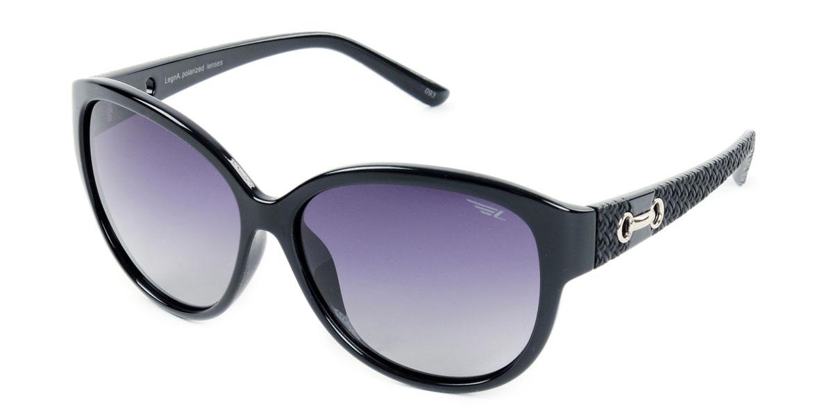 Очки женские поляризационные Legna, цвет: черный. S8406AS8406AСтильные солнцезащитные очки Legna сделают приятной прогулку в жаркий солнечный полдень. Их также по достоинству оценят водители, так как эта модель очков оснащена уникальными поляризационными линзами, которые задерживают раздражающие блики, что гарантирует полный зрительный комфорт и, как результат, повышенную безопасность. Высокоэффективный встроенный УФ фильтр обеспечивает совершенную защиту от вредных ультрафиолетовых лучей Кроме того, это эффектный аксессуар, который наверняка станет «изюминкой» вашего индивидуального стиля. Оправа не только красивая, но и прочная, а линзы со временем не покроются мелкими царапинами. Чистка и обслуживание: Вымыть теплой водой, вытереть мягкой сухой салфеткой. Условия хранения: в футляре при нормальных климатических условиях. Предупреждение: Не использовать в солярии, не смотреть на прямые солнечные лучи, не использовать при управлении автомобилем в сумерках и ночью.