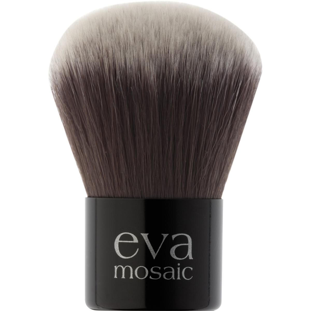 Eva Mosaic Кисть макияжная черно-белая684956Кисть для макияжа: - мягкий, не травмирующий кожу искусственный ворс, - легко моется и быстро сохнет, - равномерное нанесение и идеальная растушевка пудры и румян.