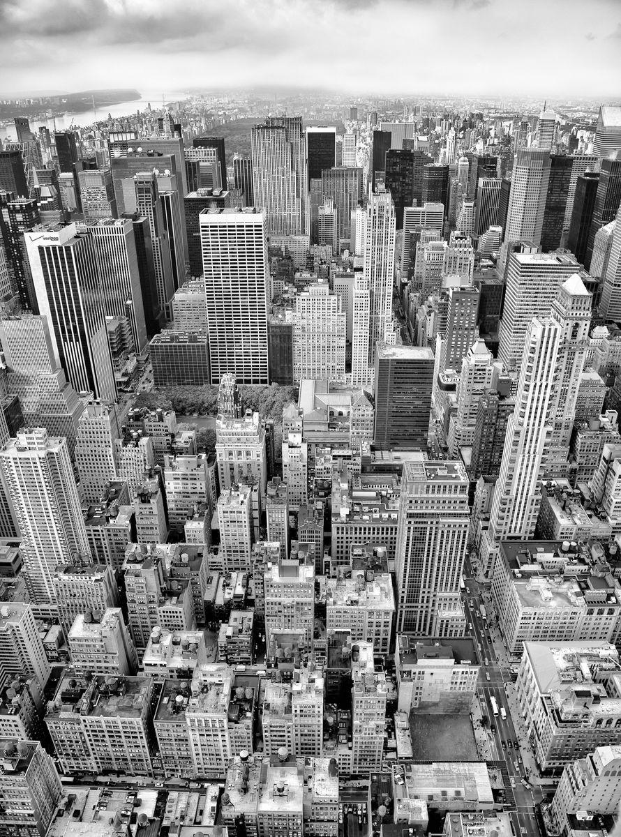 Фотообои Komar Над городом , 1,84 х 2,48 мXXL2-021Флизелиновые фотообои известного бренда Komar позволят создать неповторимый облик помещения, в котором они размещены. Фотообои наносятся на стены тем же способом, что и обычные обои. Благодаря превосходной печати и высококачественной флизелиновой основе такие обои будут радовать вас долгое время. Фотообои снова вошли в нашу жизнь, став модным направлением декорирования интерьера. Выбрав правильную фактуру и сюжет изображения можно добиться невероятного эффекта живого присутствия. Ширина рулона: 1,84 м. Высота полотна: 2,48 м.