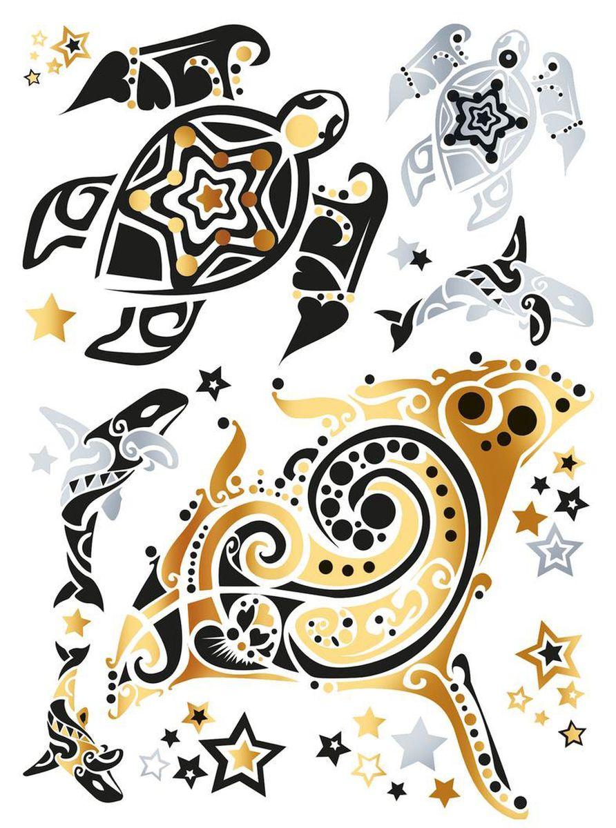 Herma Наклейки для тела Flash Tattoo Океан15184Флэш-татуировки – это временные татуировки напоминающие ювелирные украшения. Преимущества флэш-тату очевидны: Во-первых, они временные, это очень важно для тех, кто не хочет перманентное тату. Во-вторых, нанести на свое тело тату очень просто, принцип схож с «наклейками-переводилками». В-третьих, они нетоксичны - экологичны и безопасны для кожи и здоровья. Татуировки обладают высокой водостойкостью и держатся более недели. Любители украшать тело найдут себе рисунок под любое настроение. Самый распространенный вариант татуировки – металлическая цепь или браслет. Есть варианты татуировок под Boho-стиль и гламурные рисунки, надписи и геометрические фигуры. Металлик может иметь как золотой, так и серебряный оттенок. Имитация ювелирного украшения особенно привлекательно смотрится на загорелом теле. Размер листа, на котором располагается флэш-тату - 234 х 136 мм. НАНЕСЕНИЕ И УХОД Нанесение: 1. Предварительно очистить кожу, кожа должна быть сухая, без каких-либо кремов и масел. 2. Вырезать...