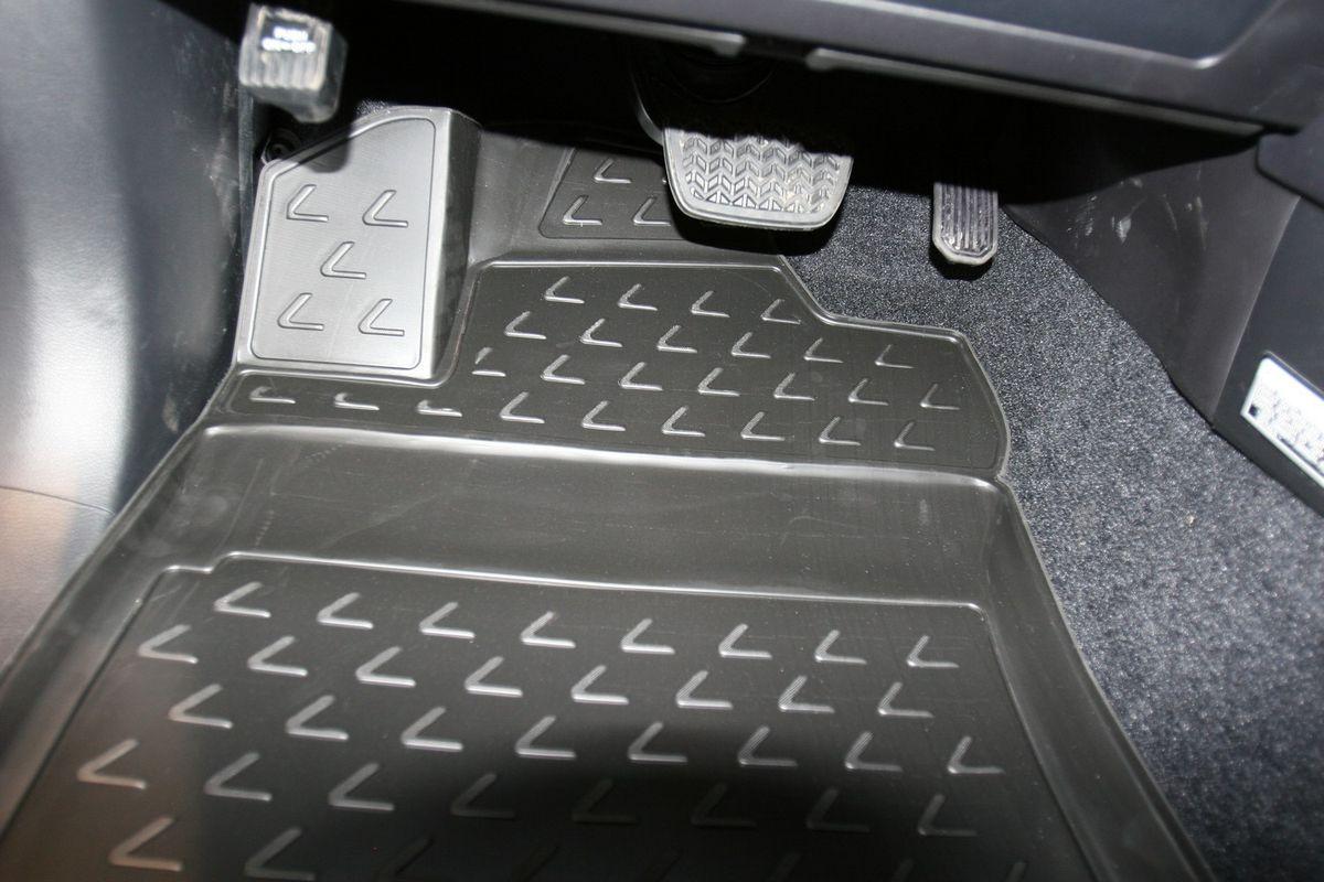 Коврики 3D в салон LEXUS GX460 02/2010->, 5 шт. (полиуретан)NLC.3D.29.12.210kКоврики в салон не только улучшат внешний вид салона вашего автомобиля, но и надежно уберегут его от пыли, грязи и сырости, а значит, защитят кузов от коррозии. Полиуретановые коврики для автомобиля гладкие, приятные и не пропускают влагу. Автомобильные коврики в салон учитывают все особенности каждой модели и полностью повторяют контуры пола. Благодаря этому их не нужно будет подгибать или обрезать. И самое главное — они не будут мешать педалям. Полиуретановые автомобильные коврики для салона произведены из высококачественного материала, который держит форму и не пачкает обувь. К тому же, этот материал очень прочный (его, к примеру, не получится проткнуть каблуком). Некоторые автоковрики становятся источником неприятного запаха в автомобиле. С полиуретановыми ковриками Novline вы можете этого не бояться. Ковры для автомобилей надежно крепятся на полу и не скользят, что очень важно во время движения, особенно для водителя. Автоковры из полиуретана надежно удерживают грязь и влагу, при...