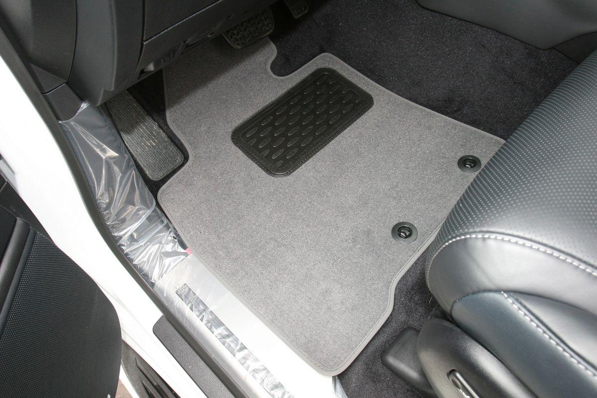 Набор автомобильных ковриков Novline-Autofamily для Lexus LX 570 7 мест АКПП 2012-, внедорожник, в салон, 5 штNLT.29.28.11.110khНабор автомобильных ковриков Novline-Autofamily, изготовленный из текстиля, состоит из 5 ковриков, которые учитывают все особенности каждой модели автомобиля и полностью повторяют контуры пола. Текстильные автомобильные коврики для салона произведены из высококачественного материала, который держит форму, прочный и не пачкает обувь. Коврики в салон не только улучшат внешний вид салона вашего автомобиля, но и надежно уберегут его от пыли, грязи и сырости, а значит, защитят кузов от коррозии. Текстильные коврики для автомобиля мягкие и приятные, а их основа из вспененного полиуретана не пропускает влагу. Ковры для автомобилей надежно крепятся на полу и не скользят, что очень важно во время движения. Чистятся коврики очень просто: как при помощи автомобильного пылесоса, так и различными моющими средствами. Набор подходит для Lexus LX 570 7 мест АКПП внедорожник с 2012 года выпуска.