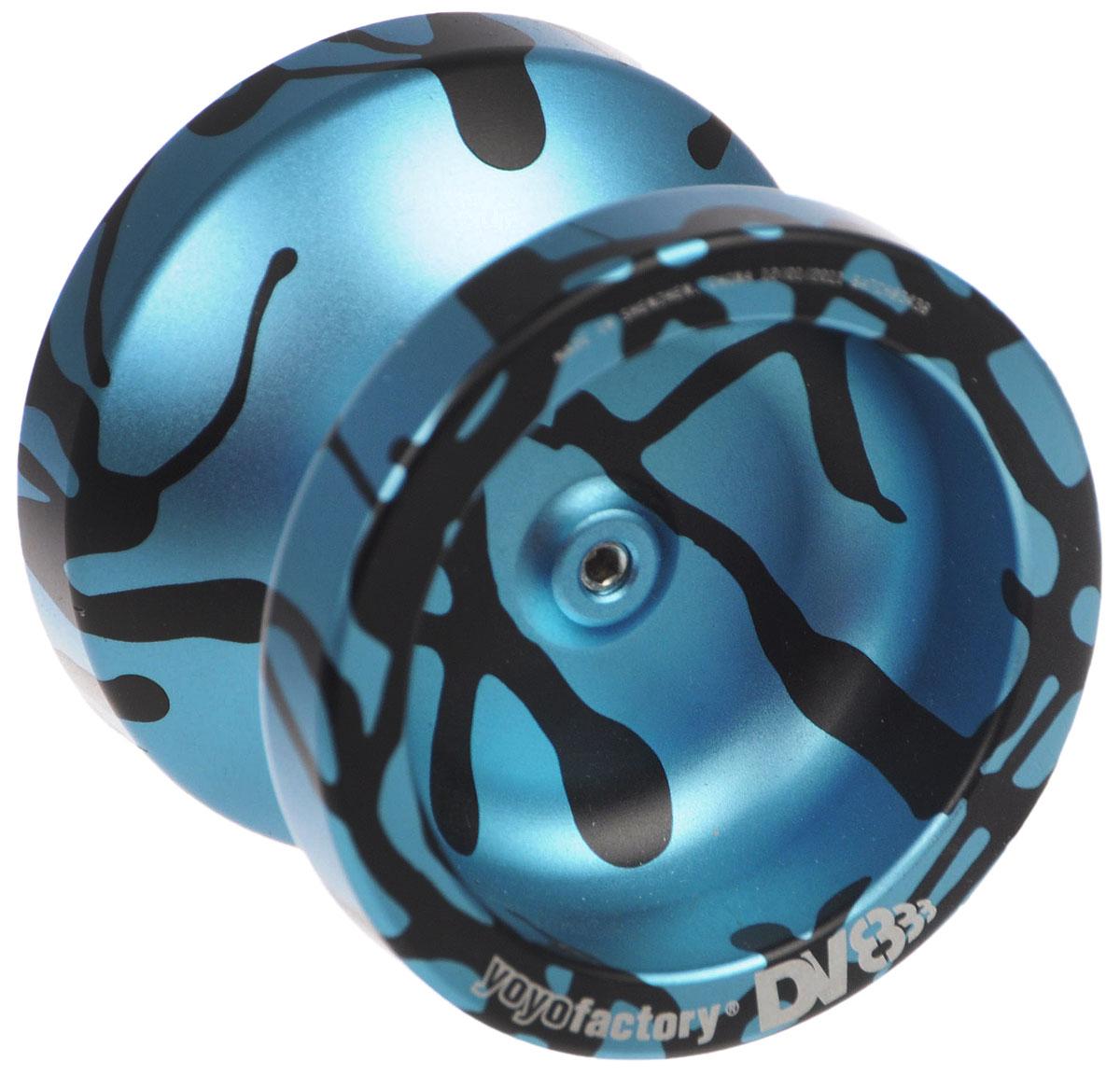 Aero-Yo Йо-йо YoYoFactory DV888 цвет черный голубойYYFDV888_черный, голубойЙо-йо YoYoFactory DV888 ассоциировалось с мастером Марком Монтгомери, выступающим на мировых и национальных соревнованиях. Долгие годы его любимцем было именно DV8. Спустя многие годы после выхода в свет DV8 компания YoYoFactory выпускает йо-йо вобравшее в себя то, чем так запомнилось многим то самое легендарное творение. Объединив в названии DV8 и самое продаваемое йо-йо 2007 года - 888. Йо-йо - это игрушка, состоящая из двух симметричных половинок соединенных осью, к которой прикреплена веревка. Современный йо-йо значительно отличается от тех, к которым многие привыкли. Сейчас йо-йо - это такая же часть молодежной культуры как скейт, ВМХ или сноуборд. Йо-йо популярно во многих странах мира, таких как Россия, США и Япония. Ежегодно во всем мире проходят различные чемпионаты по игре с йо-йо, в том числе и Чемпионат России, в котором собираются лучшие игроки со всей страны.
