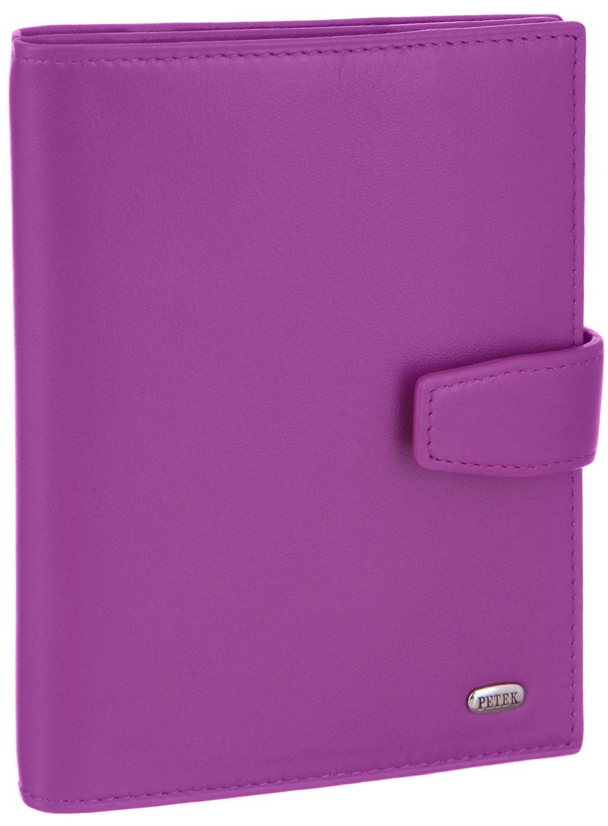 Обложка для паспорта и автодокументов женская Petek 1855, цвет: пурпурный. 595.167.16595.167.16 PurpleОбложка для паспорта и автодокументов Petek 1855 выполнена из натуральной высококачественной кожи. Внутри имеет отделение для паспорта, два сетчатых боковых кармана и съемный блок из шести прозрачных файлов из мягкого пластика, один из которых формата А5. Обложка закрывается на хлястик с кнопкой. Обложка упакована в фирменную коробку. Изделие сочетает в себе классический дизайн и функциональность. Обложка не только поможет сохранить внешний вид ваших документов и защитит их от повреждений, но и станет стильным аксессуаром, который подчеркнет ваш неповторимый стиль.