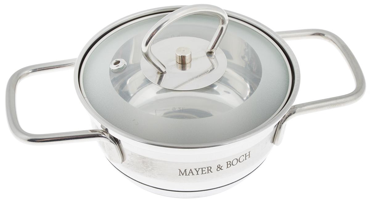 Кастрюля Mayer & Boch с крышкой, 600 мл. 2540425404Кастрюля Mayer & Boch изготовлена из высококачественной нержавеющей стали. Комбинация матовой и зеркальной полировки внешнего покрытия придает изделию особо эстетичный и стильный вид. Изделие предназначено для здорового и экологичного приготовления пищи. Внутренняя гладкая поверхность легко чистится - можно мыть в воде руками или протирать полотенцем. Кастрюля имеет трехслойное капсульное дно, которое обеспечивает быстрый подогрев пищи, а также сохранит тепло. Кастрюля оснащена двумя удобными ручками. Крышка из термостойкого стекла снабжена металлическим ободом, удобной ручкой и отверстием для выпуска пара. Такая крышка позволяет следить за процессом приготовления пищи без потери тепла. Она плотно прилегает к краю кастрюли, сохраняя аромат блюд. Внутренние стенки кастрюли имеют отметки литража. Подходит для всех типов плит, включая индукционные. Не предназначена для СВЧ-печей. Можно мыть в посудомоечной машине. Подходит для...
