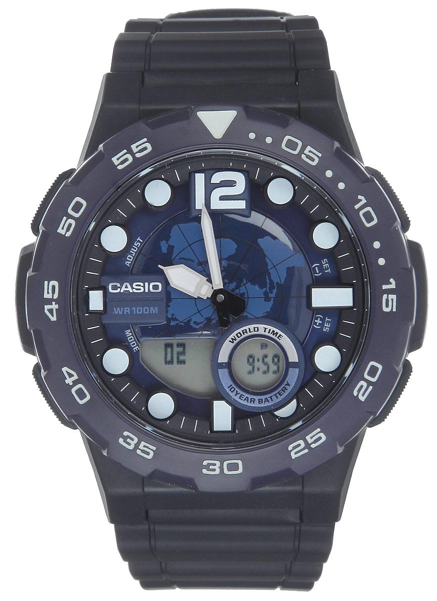 Часы наручные мужские Casio Collection, цвет: черный, синий. AEQ-100W-2AAEQ-100W-2AМногофункциональные мужские часы Casio Collection, выполнены из минерального стекла, металлического сплава и полимерного материала. Корпус часов оформлен символикой бренда. Часы оснащены ударопрочным корпусом с электронно-механическим механизмом, имеют степень влагозащиты равную 10 BAR, а также дополнены устойчивым к царапинам минеральным стеклом. Браслет часов оснащен застежкой-пряжкой, которая позволит с легкостью снимать и надевать изделие. Корпус часов оснащен стрелками с светящимся составом. Дополнительные функции: таймер, будильник, функция повтора будильника, секундомер, функция мирового времени, автоматический календарь, отображение времени в 12-часовом или 24-часовом формате. Часы дополнены оригинальной и практичной функцией записная книжка, которая позволит сохранить 30 записей. Каждая запись может включать в себя текст из 8 букв и 12 цифр. Часы поставляются в фирменной упаковке. Многофункциональные часы Casio Collection подчеркнут отменное...