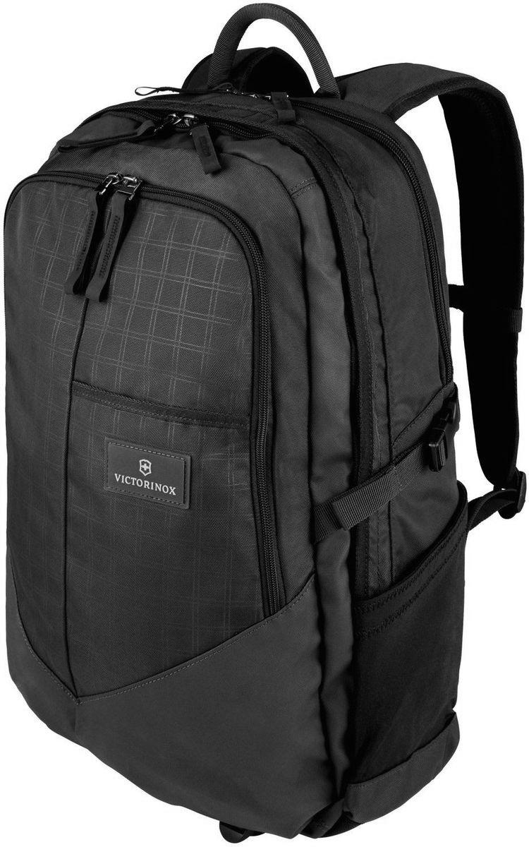 Рюкзак Victorinox Altmont3.0, Deluxe Backpack 17, цвет: черный. 3238800132388001Оригинальный швейцарский армейский нож «Swiss Army» был создан в 1897 году в небольшой деревушке Ибах в Швейцарии.С тех пор продукция,выпускаемая под маркой «Victorinox» с ее узнаваемым логотипом в виде креста на щите,по праву считается эталоном отличного качества,высокой функциональности,инновационных технологий и культового дизайна.Наша преданность принципам в течение последних 130 лет позволила нам создавать продукты,которые являются выдающимися не только по дизайну и качеству,но которые также являются надежными спутниками в больших и маленьких жизненных приключениях. Сегодня мы с гордостью представляем линейку сумок,чемоданов и дорожных аксессуаров,которые наилучшим образом воплощают в себе данные принципы,а также сочетают в себе черты нашего лучшего классического стиля. Индивидуальность-это то,что отличает вас от любого другого человека,с которым вы сталкиваетесь на улице,в поезде,с которым вы общаетесь в городе.Каждый день вашей жизни — это уникальный опыт,который...