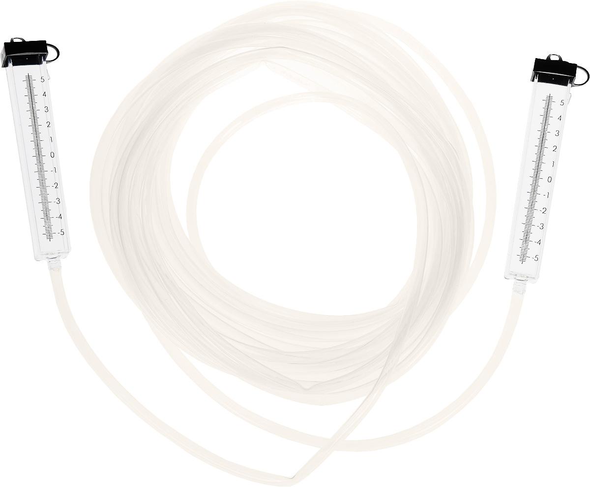 Гидроуровень со шкалой Калита, 10 м18710Гидроуровень со шкалой Калита - это приспособление для оценки взаимного расположения удаленных точек относительно горизонтальной плоскости. Это устройство незаменимо при заливке фундаментов и стяжек, при монтаже балок, полов, потолков и другое. Строительный гидроуровень состоит из двух колб, соединенных прозрачной трубкой, на колбы нанесена шкала с центральной нулевой меткой. Для удобства работы колбы имеют герметичные крышки, которые предотвращают вытеснение жидкости из гидроуровня при его переносе и хранении. Во время работы колпачки крышек должны быть открыты. Принцип работы гидроуровня построен на физическом законе сообщающихся сосудов (закон Паскаля), который гласит, что уровень жидкости в сообщающихся сосудах будет одинаковым.