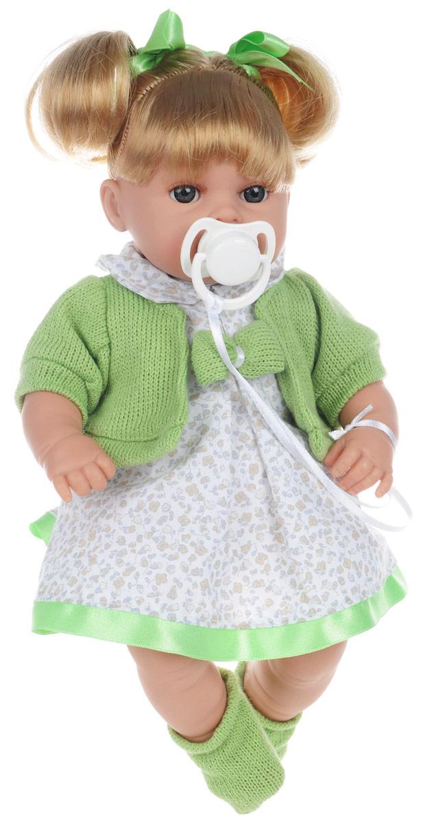 Arias Пупс озвученный Elegance цвет наряда белый зеленыйТ58643Озвученный пупс Arias Elegance порадует вашу малышку и подарит массу положительных эмоций. Кукла выполнена с анатомической точностью и выглядит совсем как настоящий малыш. Ручки, ножки и голова подвижны и изготовлены из высококачественного материала. Тело мягконабивное. Пупс одет в нарядное платье, кофточку и носочки, которые легко снимаются с ножек. Волосы, убранные в высокие хвостики и перехваченные зелеными ленточками, при желании можно распустить. Также в набор входит пустышка. Нажмите на животик пупса - и он засмеется, второй раз - скажет мама, третий раз - скажет папа. Игра с куклой учит детей проявлять заботу, доброту и выражать свои чувства. Рекомендуется докупить 3 батарейки типа AG13/LR44 (товар комплектуется демонстрационными).