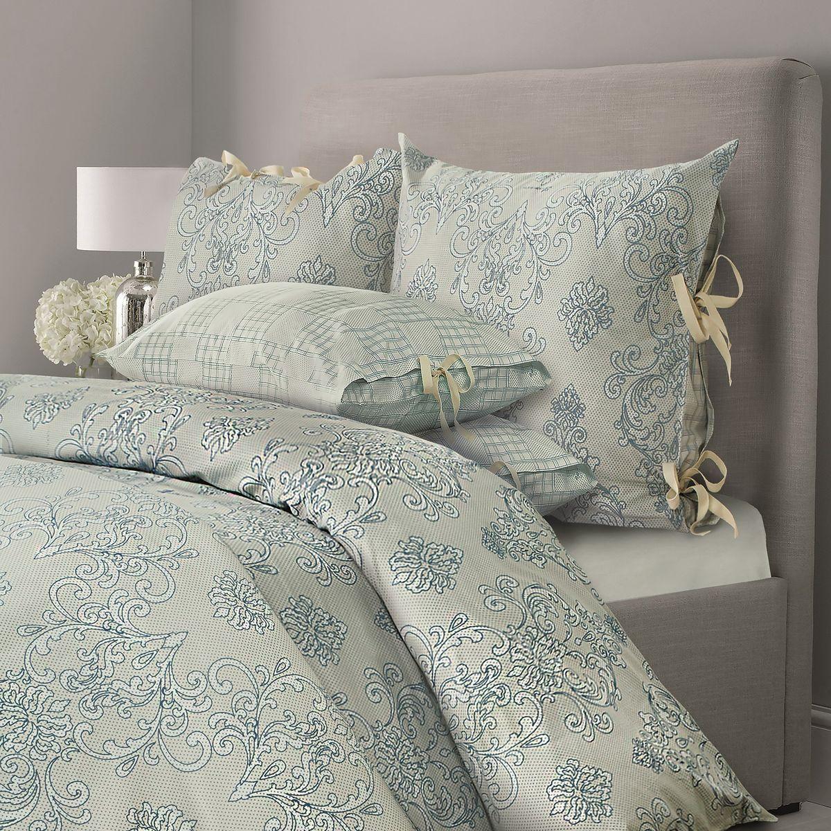 Комплект белья Mona Liza Chalet, семейный, наволочки 70x70, цвет: зеленая олива5760/3Комплекты постельного белья, подушки и одеяла выполнены в современном евростиле. Лаконичность рисунка, сдержанный колорит, элегантность, легкость и благородство — вот основные отличия CHALET. Трендовые полутона действуют расслабляющее и умиротворяюще, Ваш интерьер получится мягким, теплым, «припудренным», в нем будут царить уют и спокойствие.