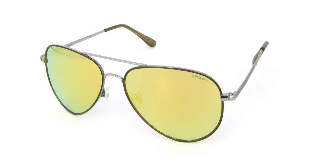 Очки поляризационные Polaroid, цвет: золотой. P4139RP4139RПри отражении солнечного света от горизонтальной поверхности – такой, как дорога или вода – часто получается сконцентрированный горизонтально поляризованный свет. Такое явление называется блик. Вертикально поляризованный свет полезен для человеческого глаза. Блики же могут существенно влиять на зрение: ослепляют, ухудшают зрение, снижают его остроту и вызывают раздражение. Поляризованные солнцезащитные очки Polaroid блокируют блики и обеспечивают защиту от ультрафиолета, благодаря им вы сможете видеть лучше и в то же время защищать глаза от вредного излучения. В них используются эксклюзивные линзы UltraSight™, произведенные с использованием инновационной технологии Thermofusion™. Эти высококачественные линзы состоят из девяти слоев для обеспечения полной защиты ваших глаз и возможности видеть все без искажений. Кроме того, это эффектный аксессуар, который наверняка станет изюминкой  вашего индивидуального стиля. Оправа не только красивая, но и прочная, а линзы со временем...