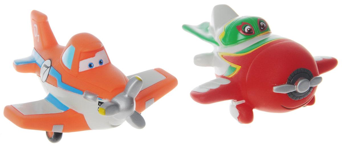 Играем вместе Набор игрушек для ванной Самолеты 2 шт178R-PVCНабор игрушек для ванной Играем вместе Самолеты обязательно понравится вашему малышу и превратит купание в веселый и увлекательный процесс. Игрушки выполнены в виде героев мультфильма Самолеты. В набор входит самолетик Дасти, прирожденный гонщик, которого когда-то сконструировали для того, чтобы орошать поля, а также настоящая легенда воздушных гонок - Эль Чу! При нажатии на игрушку раздается громкий писк. Игрушки способствуют развитию внимательности, мелкой моторики рук, воображения, зрительного восприятия.