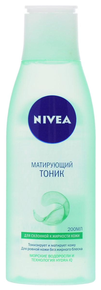 NIVEA Матирующий тоник для склонной к жирности кожи 200 мл10022606Очищающий тоник Nivea Visage Aqua Effect тонизирует и матирует кожу. Для ровной кожи без жирного блеска. Тоник с морскими водорослями и Hydra IQ: Глубоко очищает кожу, устраняя загрязнения. Регулирует работу сальных желез, устраняя жирный блеск. Поддерживает природный баланс увлажненности кожи.