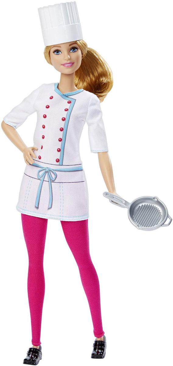 Barbie Кукла Шеф-поварDHB18_DHB22Новая серия кукол Barbie - уникальная возможность познакомиться с интересными специальностями в процессе игры. Очаровательная кукла Barbie Шеф-повар в стильной униформе приведет в восторг каждую девочку! Наряд куклы состоит из белой приталенной рубашки и розовых штанов. Колпак повара и сковорода идеально дополняют красивый образ этой куклы. Светлые волосы девушки убраны в хвост, но ваша дочурка сможет их расчесывать и заплетать различные прически. У Барби подвижные руки, ноги и голова. Кукла выполнена из качественных и безопасных для ребенка материалов.