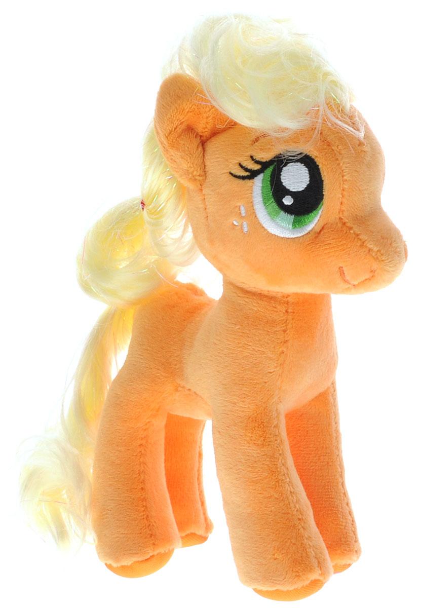 TY Мягкая игрушка Пони Applejack 17 см41013Мягкая игрушка TY Пони Applejack выполнена в виде очаровательной оранжевой пони с длинным хвостом и собранной в хвостик гривой. Игрушка изготовлена из высококачественного текстильного материала с набивкой из синтепона. Гриву и хвостик пони можно заплетать и расчесывать. Игрушка имеет специальные уплотнения в ногах, что позволяет ей стоять самостоятельно, без опоры. Applejack - задорная пони, которая работает на ферме Сладкое яблоко вместе со старшим братом и младшей сестренкой. Пони - добрая, честная и прямодушная, хоть иногда и бывает немного упрямой. На Applejack всегда можно положиться, ведь она самый настоящий друг - верный, надежный и отзывчивый! Удивительно мягкая игрушка принесет радость и подарит своему обладателю мгновения нежных объятий и приятных воспоминаний.
