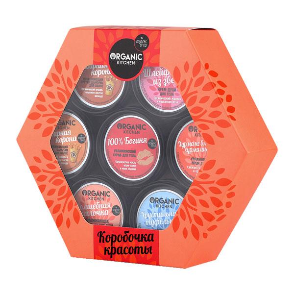 Organic Shop Подарочный набор Коробочка красоты (Шампунь, 100 мл + Бальзам, 100 мл + Скраб для тела, 100 мл + Густое мыло для душа для волос и тела, 100 мл + Крем-духи для тела, 100 мл + Крем для ног, 100 мл + Скраб для ног, 100 мл)0861-4-15162Organic Shop Подарочный Набор Коробочка красоты. В состав подарочного набора Коробочка красоты Органик Шоп входят: Густой увлажняющий шампунь для волос Имбирная корона, 100 мл, Увлажняющий бальзам для волос Имбирная корона, 100 мл, Увлажняющий скраб для тела 100% Богиня, 100 мл, увлажняющее густое мыло для душа для волос и тела Волшебная палочка, 100 мл., Крем-духи для тела Шлейф из звезд, 100 мл.,Увлажняющий крем для ног Хурма не вяжет, хурма шьет, 100 мл., Полирующий скраб для ног Хрустальная туфелька, 100 мл.Откройте для себя удивительную коробочку красоты, в ней собраны натуральные косметические средства для роскошного ухода за кожей и волосами, которые подчеркнут Вашу привлекательность, очарование и поднимут настроение.