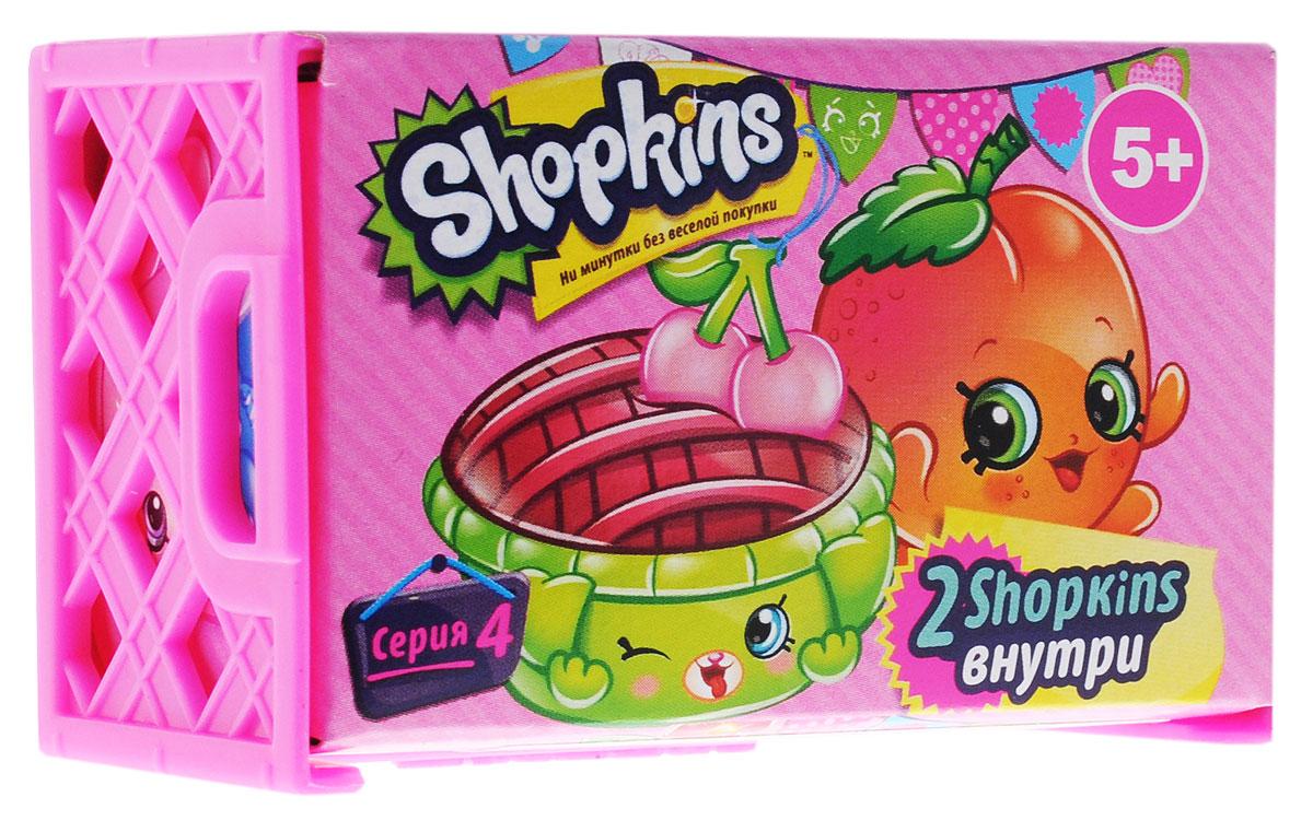 Shopkins Набор фигурок в корзиночке цвет ярко-розовый 2 шт56078_ярко-розовыйНабор Shopkins - это две фигурки в ящике для овощей от компании Moose. Миниатюрные фрукты, овощи, а также другие продукты питания упакованы в картонные боксы. Милые пластиковые игрушки имеют устойчивую основу, а также окрашены в яркие цвета, которые, несомненно, привлекут внимание ребенка. У персонажей Shopkins забавные прорисованные мордочки, а также яркий и необычный внешний вид. Милые фигурки продаются в комплекте с небольшой корзинкой с тремя поднятыми бортами. Внутри такого аксессуара Шопкинсы будут чувствовать себя очень комфортно и уютно. В комплекте ящик, 2 фигурки, руководство коллекционера.