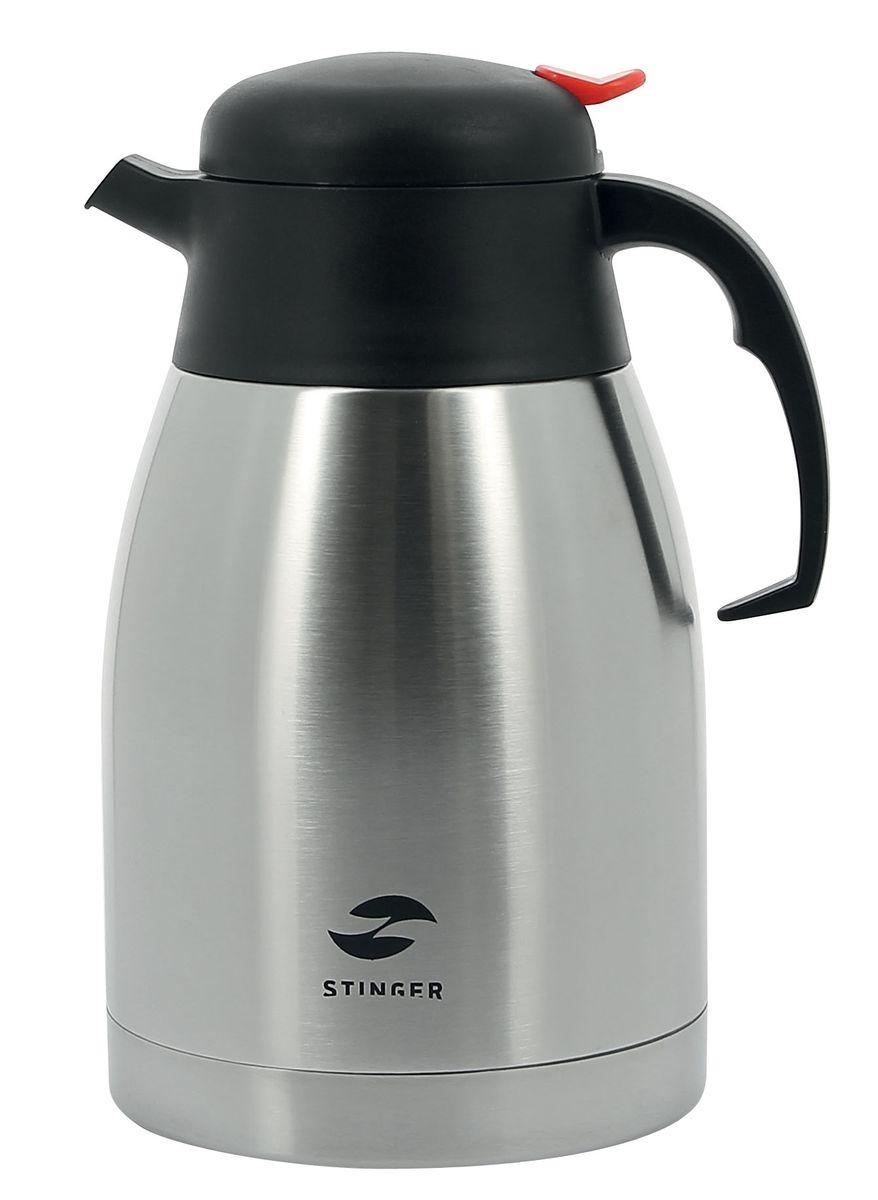 Термо-кофейник Stinger,1,5 л, широкий. HY-CP301-1HY-CP301-1Термо-кофейник STINGER HY-CP301-1 серебристый с ручкой для переноски предназначен для хранения холодных или горячих напитков. Термо-кофейник изготовлен из высококачественной пищевой нержавеющей стали, что является безопасным для здоровья. Термо-кофейник выполнен в классическом серебристом цвете и имеет глянцевую поверхность. Современная технология с вакуумной изоляцией и металлическая колба, способствуют более длительному сохранению тепла. Термо-кофейник держит температуру наполнения более 24 часов. Термо-кофейник STINGER HY-CP301-1 оснащен пластиковой крышкой с силиконовой прослойкой и кнопкой дозатора напитков. Благодаря этому напитки можно наливать, нажав на кнопку дозатора. Термо-кофейник удобен в использовании дома, на даче, пригодится на работе или в офисе. Экономит электроэнергию и вре нержавеющая сталь