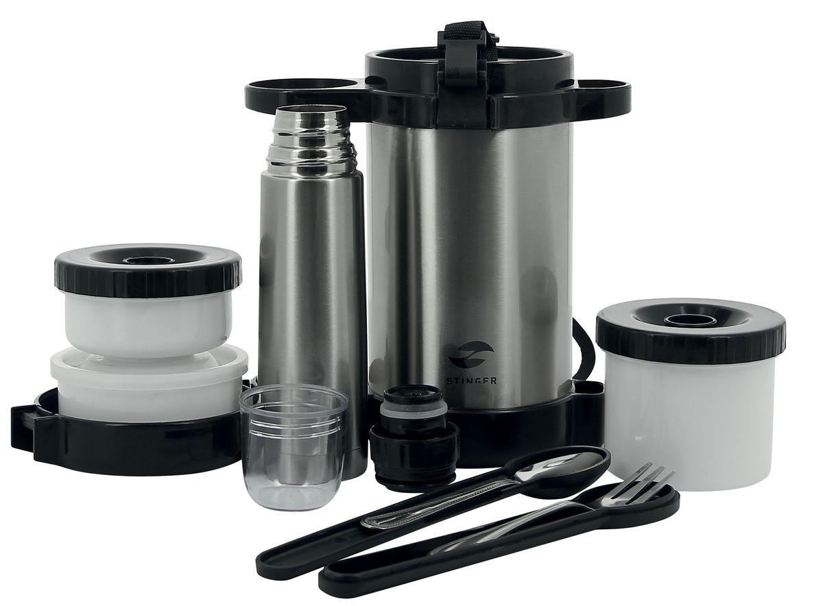 Термос суповой Stinger, 1,5 л, широкий,три контейнера. HY-LB408-1HY-LB408-1Термос для еды STINGER HY-LB408-1 серебристый с ремешком для переноски предназначен для хранения холодных или горячих блюд и напитков. Пищевой термос пригодится в любой ситуации: будь то экстремальный поход, пикник, поездка, или вы просто хотите взять с собой домашнюю еду в офис. Термос для еды изготовлен из высококачественной пищевой нержавеющей стали, что является безопасным для здоровья. На корпусе термоса для удобства переноски предусмотрен ремень. Термос для еды выполнен в классическом серебристом цвете и имеет глянцевую поверхность. Современная технология с вакуумной изоляцией и металлическая колба, способствуют более длительному сохранению тепла. Термос для еды держит температуру наполнения более 24 часов. Термос для еды STINGER HY-LB408-1 оснащен пластиковой крышкой с защелками. В термос помещаются три контейнера для еды с крышками, изготовленные из пищевого пластика белого цвета. Крышки легко открываются и плотно закрываются. В комплекте также идет мини-термос на 250 мл., что...