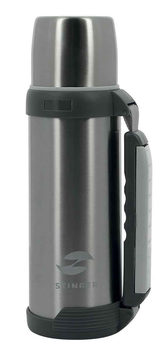 Термос Stinger, 1 л, широкий с ручкой. HY-TP201-4HY-TP201-4Универсальный термос STINGER HY-TP201-4 отлично подойдет для хранения горячих или холодных напитков. Он непременно пригодится в дороге, на работе или путешествии. Небольшой вес и размер позволят взять его с собой, а удобная ручка с выдвижным ремешком значительно упростят процесс транспортировки. В термос помещается один литр напитка, верхняя крышка может использоваться в качестве чашки для питья, что очень удобно в походных условиях. Металлическая колба и технология вакуумной изоляции позволят сохранить температуру напитка более 24 часов на уровне 45 °C. Изготавливается термос только из высококачественной высокопрочной стали 201 и пластиковых вставок, использование которых абсолютно безопасно для здоровья человека. Выпускается в серебристом цвете и имеет глянцевую поверхность. нержавеющая сталь