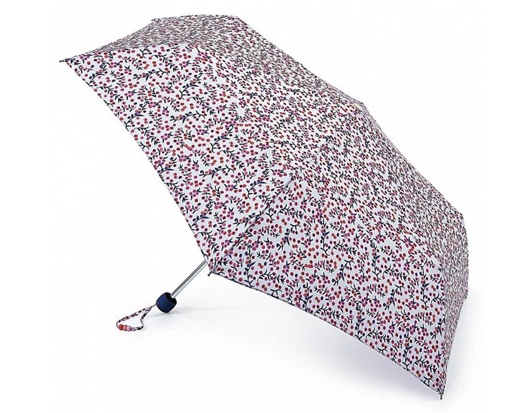 Зонт женский Fulton Superslim, механический, 3 сложения, цвет: белый, фиолетовый, розовый. L553-2933L553-2933 BerryBlemishСтильный механический зонт Fulton Superslim в 3 сложения даже в ненастную погоду позволит вам оставаться элегантной. Облегченный каркас зонта выполнен из 6 спиц из фибергласса и алюминия, стержень также изготовлен из алюминия, удобная рукоятка - из пластика. Купол зонта выполнен из прочного полиэстера. В закрытом виде застегивается хлястиком на липучке. Яркий оригинальный рисунок в виде ягод поднимет настроение в дождливый день. Зонт механического сложения: купол открывается и закрывается вручную до характерного щелчка. На рукоятке для удобства есть небольшой шнурок, позволяющий надеть зонт на руку тогда, когда это будет необходимо. К зонту прилагается чехол, который застегивается на липучку. Чехол оформлен металлическим элементом с названием бренда. Такой зонт компактно располагается в кармане, сумочке, дверке автомобиля.