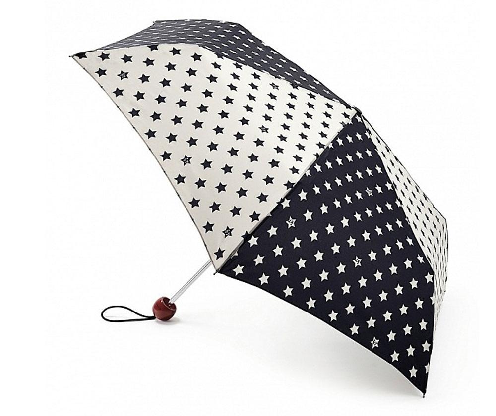 Зонт женский Lulu Guinness Superslim, механический, 3 сложения, цвет: черный, бежевый. L718-2686L718-2686 StarsСтильный механический зонт Lulu Guinness Superslim в 3 сложения даже в ненастную погоду позволит вам оставаться элегантной. Облегченный каркас зонта выполнен из 6 спиц из фибергласса и алюминия, стержень также изготовлен из алюминия, удобная рукоятка - из пластика. Купол зонта выполнен из прочного полиэстера. В закрытом виде застегивается хлястиком на кнопке. Яркий оригинальный принт в виде звезд поднимет настроение в дождливый день. Зонт механического сложения: купол открывается и закрывается вручную до характерного щелчка. На рукоятке для удобства есть небольшой шнурок, позволяющий надеть зонт на руку тогда, когда это будет необходимо. К зонту прилагается чехол, который застегивается на липучку. Чехол оформлен нашивкой с названием бренда. Такой зонт компактно располагается в кармане, сумочке, дверке автомобиля.