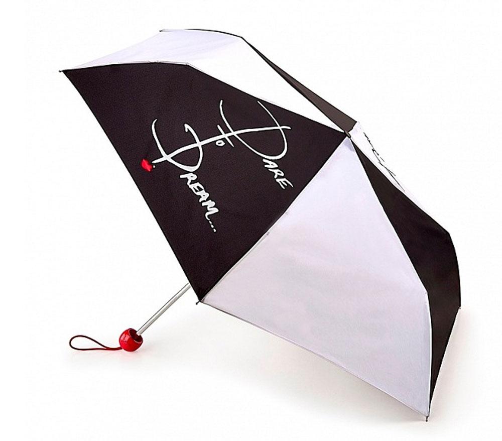 Зонт женский Lulu Guinness Superslim, механический, 3 сложения, цвет: черный, белый. L718-3148L718-3148 DaretoDreamСтильный механический зонт Lulu Guinness Superslim в 3 сложения даже в ненастную погоду позволит вам оставаться элегантной. Облегченный каркас зонта выполнен из 6 спиц из фибергласса и алюминия, стержень также изготовлен из алюминия, удобная рукоятка - из пластика. Купол зонта выполнен из прочного полиэстера. В закрытом виде застегивается хлястиком на кнопке. Яркий оригинальный принт в виде надписи Dare To Dream… поднимет настроение в дождливый день. Зонт механического сложения: купол открывается и закрывается вручную до характерного щелчка. На рукоятке для удобства есть небольшой шнурок, позволяющий надеть зонт на руку тогда, когда это будет необходимо. К зонту прилагается чехол который дополнительно застегивается на липучку. Чехол также оформлен надписью Dare To Dream…. Такой зонт компактно располагается в кармане, сумочке, дверке автомобиля.